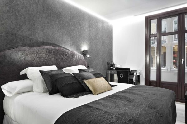 habitacion-individual-dalma-pension-luxury-ama-bilbao